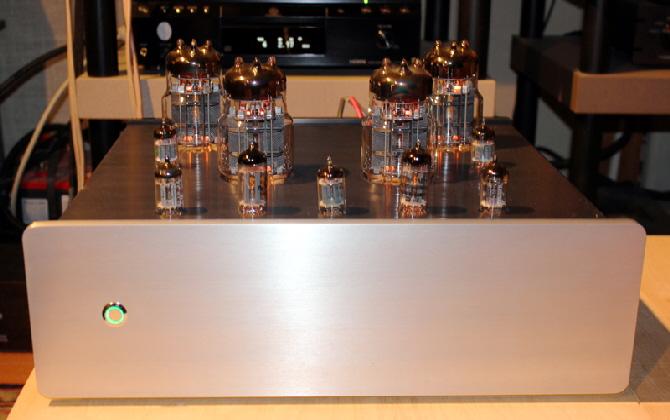 Q-tron PA-12 OTL Tube Amplifier (Stereo 2 x 25W) con transformadores toroidales. Basszilla Platinum Edition MK2, DIY. A_PA12-Front2